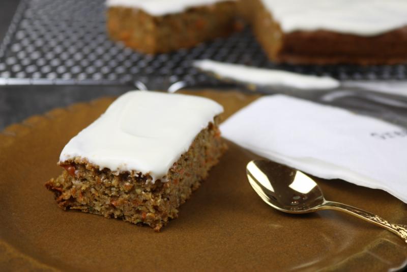 Gesunde Carrot-Cake Schnitten (2 von 6)