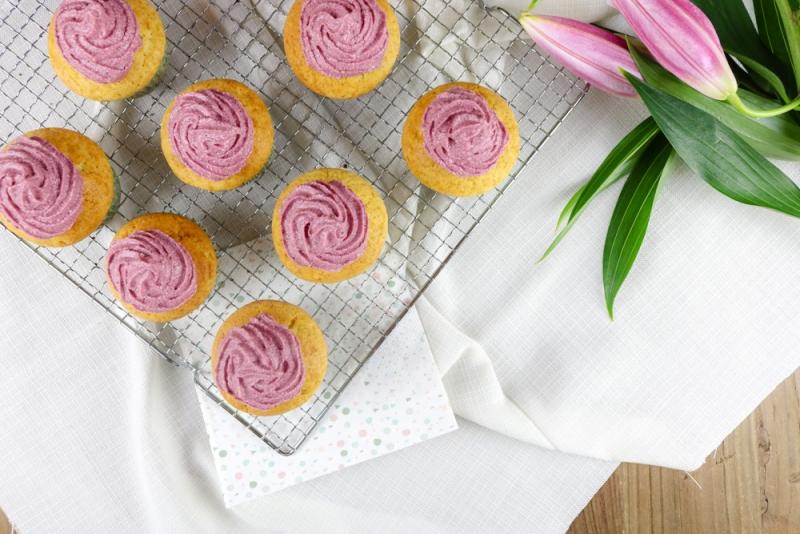 Vanille_Brombeer_Cupcakes (1 von 6)