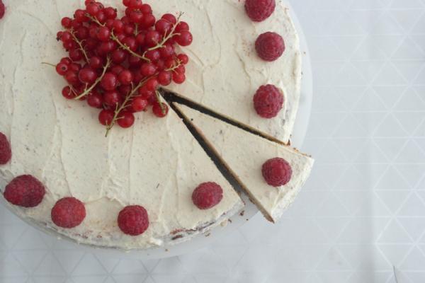 Vanille_Himbeer_Buttercreme_Torte (5)