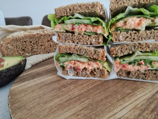 Stulle 2.0: Avocado-Hähnchen Sandwich