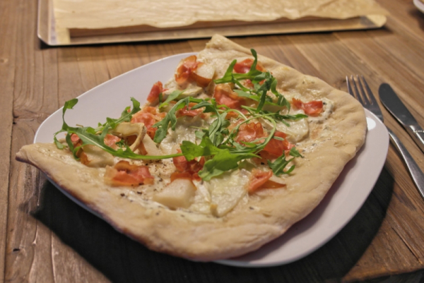 Birnen-Ziegenkäse-Pizza (3)_lzn