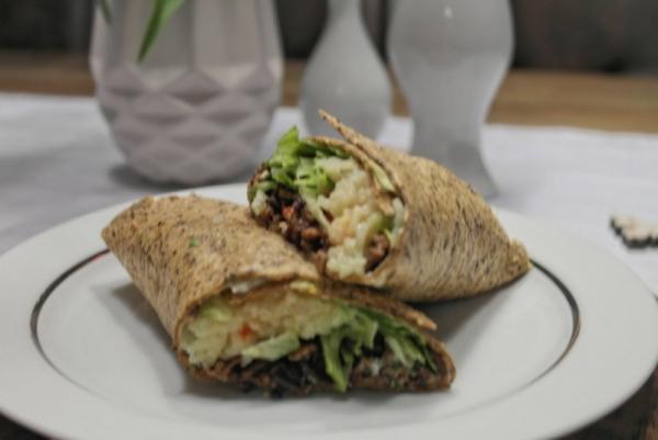 Burrito-Wraps mit Hack und Reis
