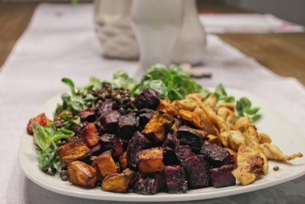 Beluga-Linsen Salat mit Süßkartoffel und Roter Bete