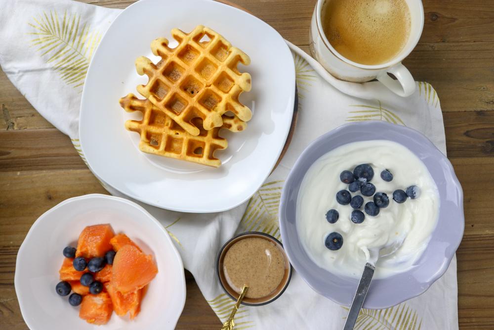 Das perfekte Frühstück & ein Rezept für Süßkartoffel Waffeln