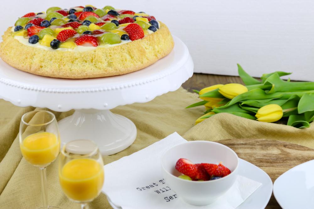 {Back- und Kochliebe Osterevent} Biskuit-Obstkuchen mit Eierlikör-Sahne