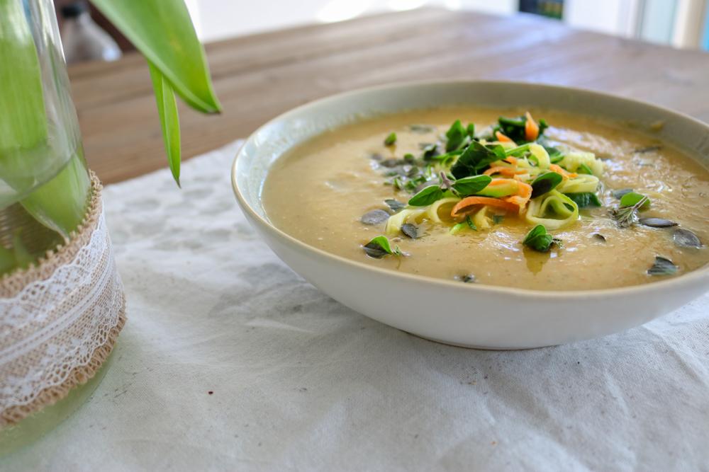 Frühlings-Gemüsesuppe mit Julienne