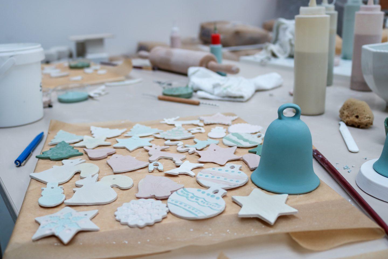 Weihnachts_Workshop_Monane_Kooperation_Adventszeit_Dekoration_Porzellan