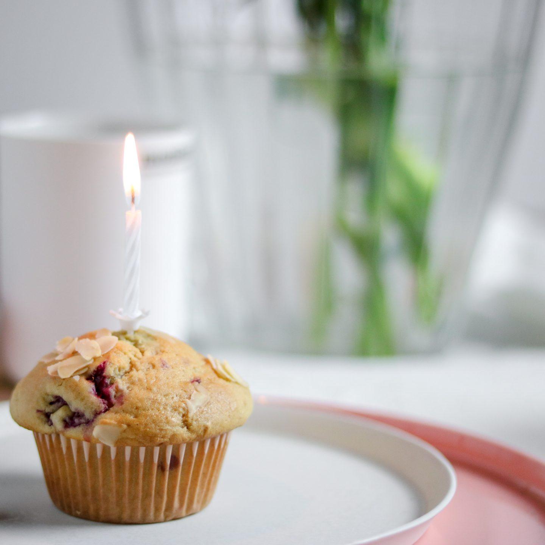 Frischkaese-Himbeer-Muffins-Bakinglifestories.com-gesundbacken-gesundkochen-gesundleben-Himbeer-Muffins