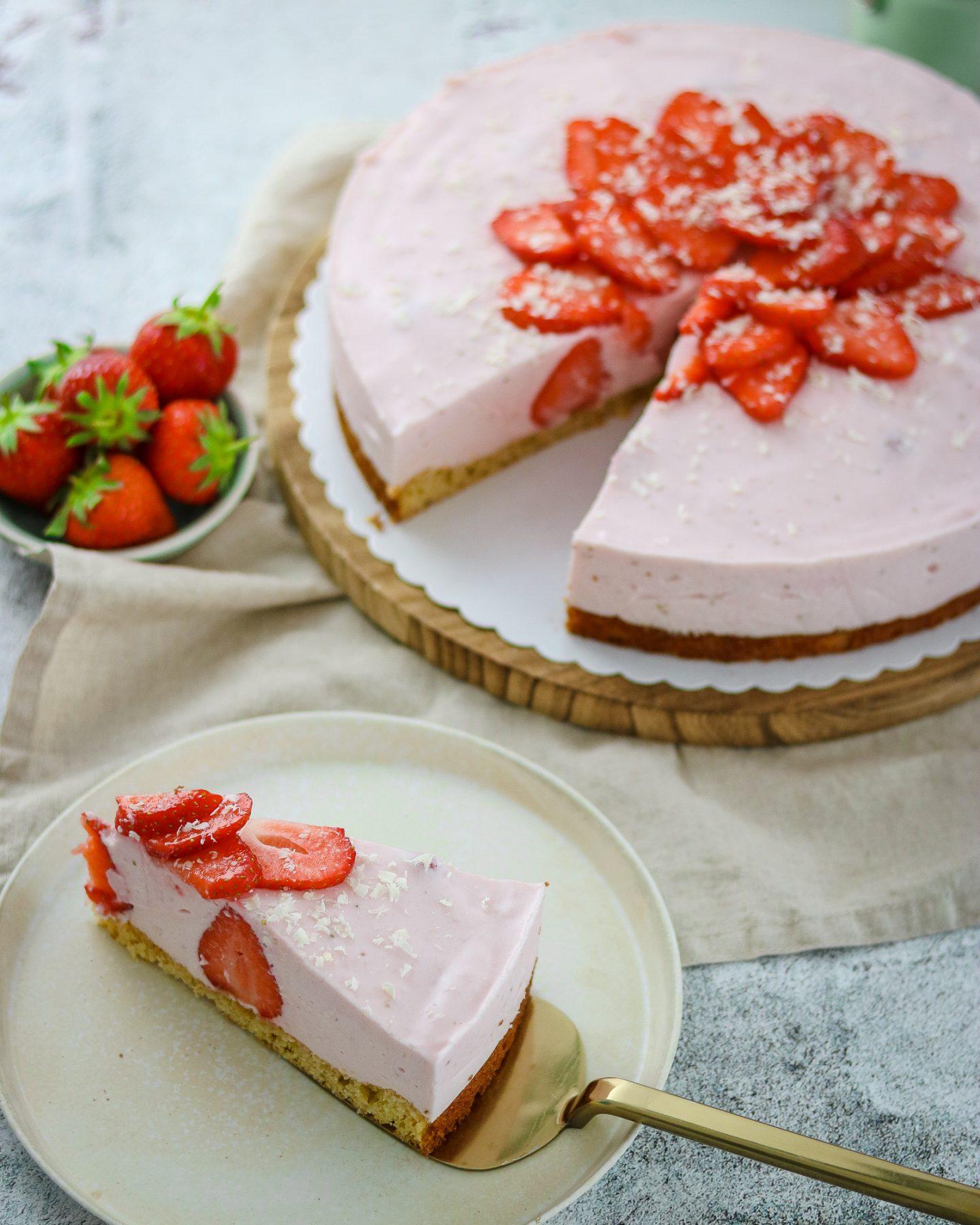 Erdbeeren-Buttermilch Torte