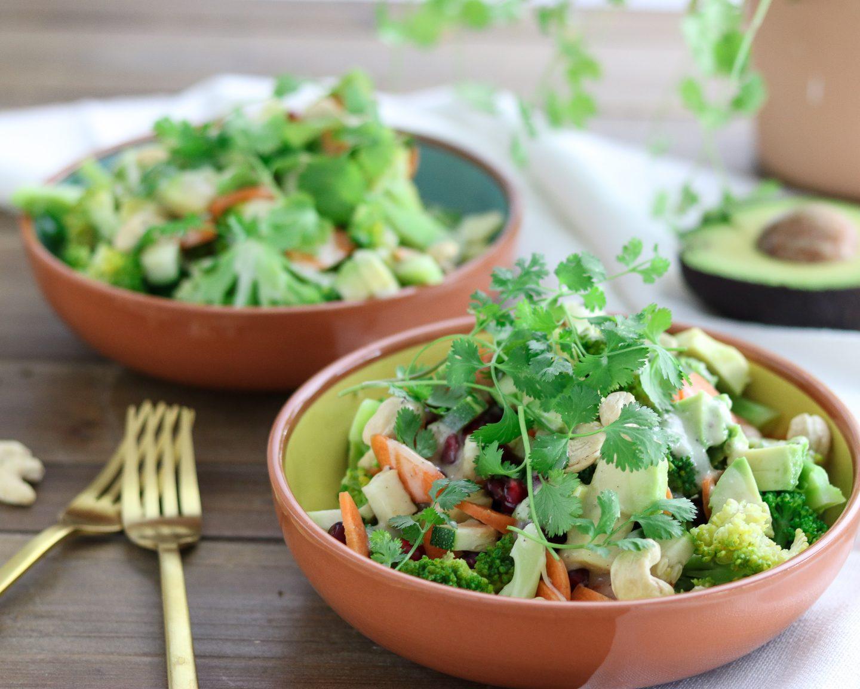 Brokkolisalat mit Tahini-Dressing – Paleo – glutunfrei – laktosefrei – vegan