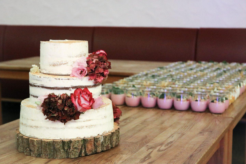 Semi-Naked Hochzeitstorte