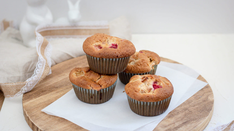 Gesunde & Vegane Rhabarber-Himbeer Muffins