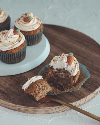 Bakinglifestories.com-carrot-cake-cupcakes-vegan-6